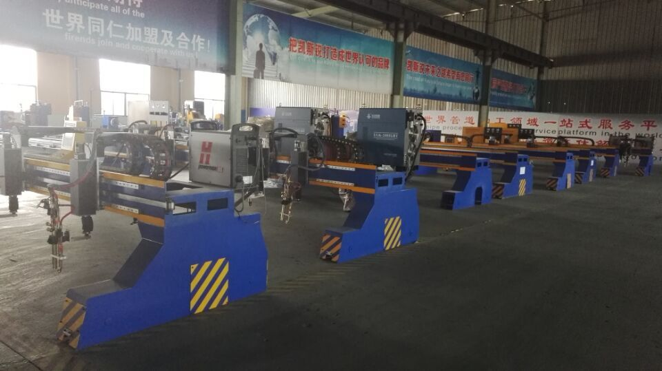 <a href=http://pipingcutting.com target='_blank'>Gantry cnc plasma flame cutting machine</a>